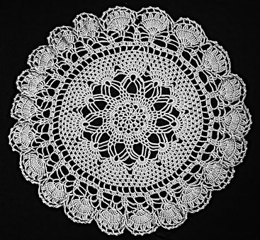 tatting with lace