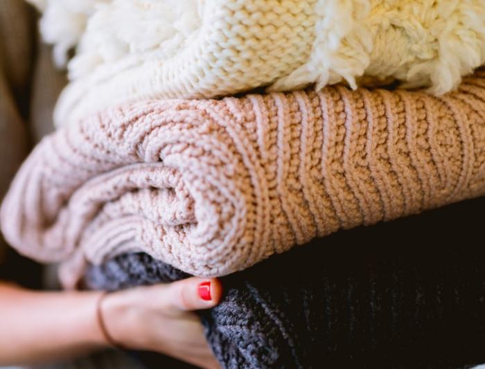 flat bed knitting machines
